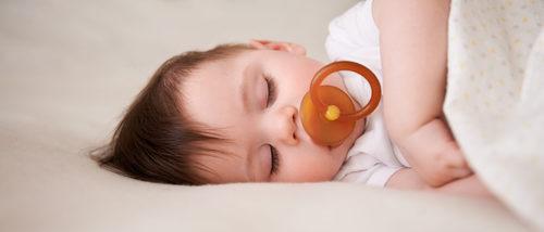 ¿Provoca el chupete gases en el bebé?