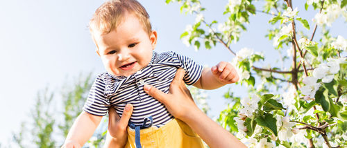 Cómo llevar vestido a un bebé en primavera
