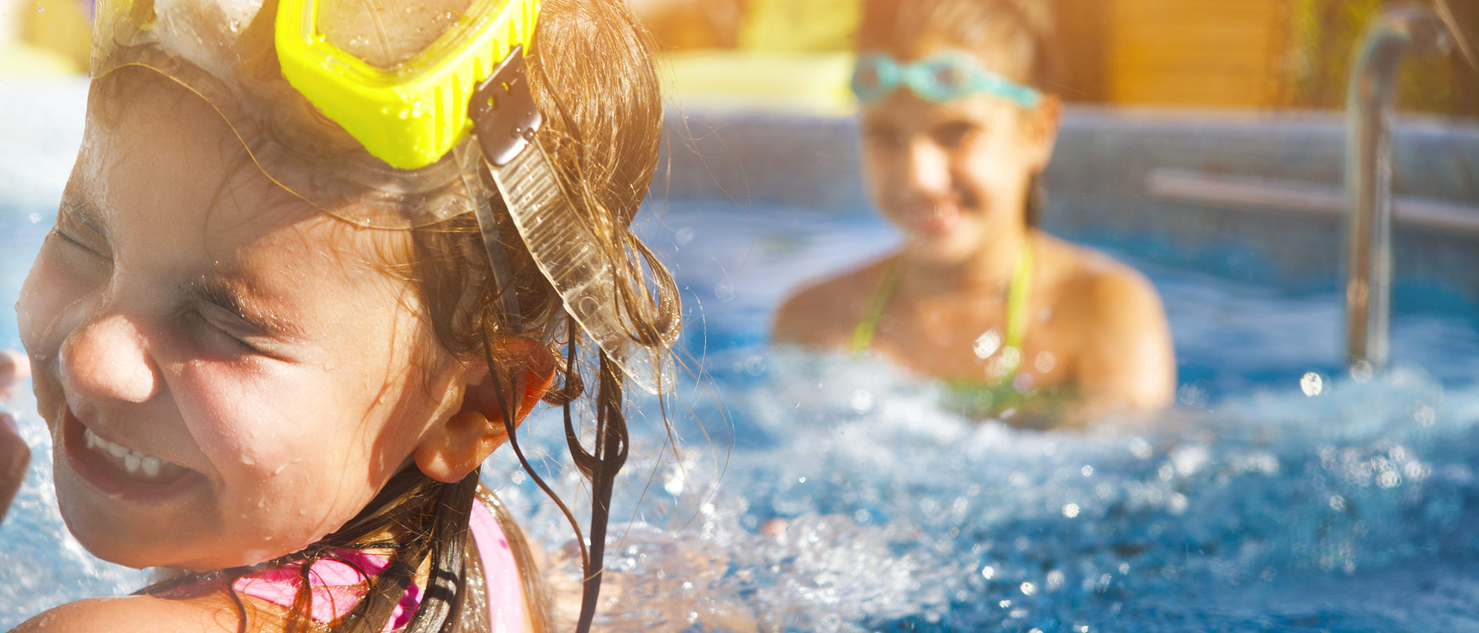 5 precauciones que debemos tener con los niños en las piscinas
