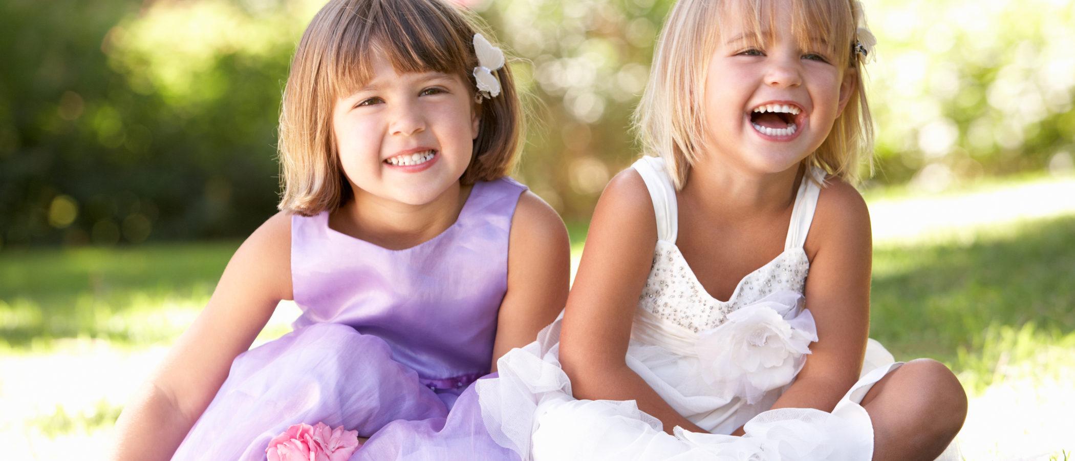 ¿Cómo vestir a una niña para una boda?