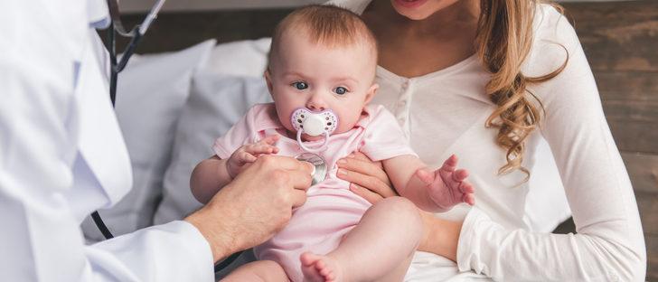 Cómo curar el estreñimiento en el bebé