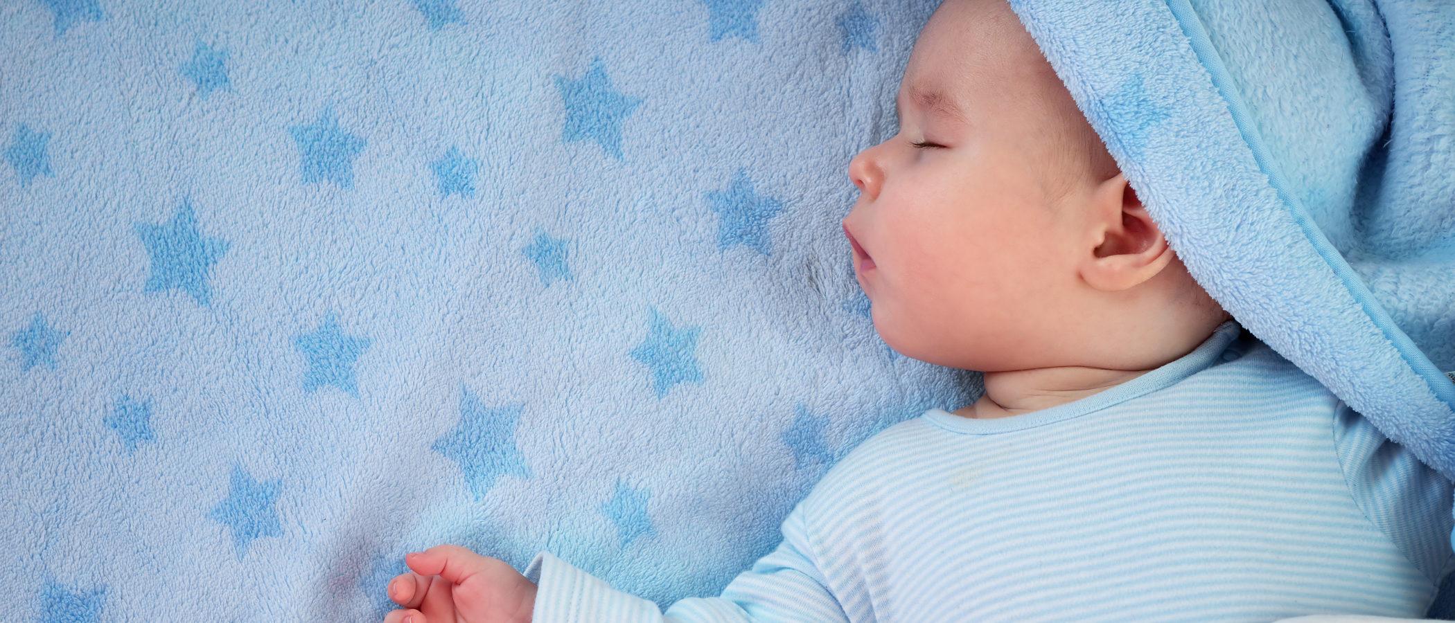 Cuántas horas debe dormir un bebé de 9 a 12 meses - Bekia Padres