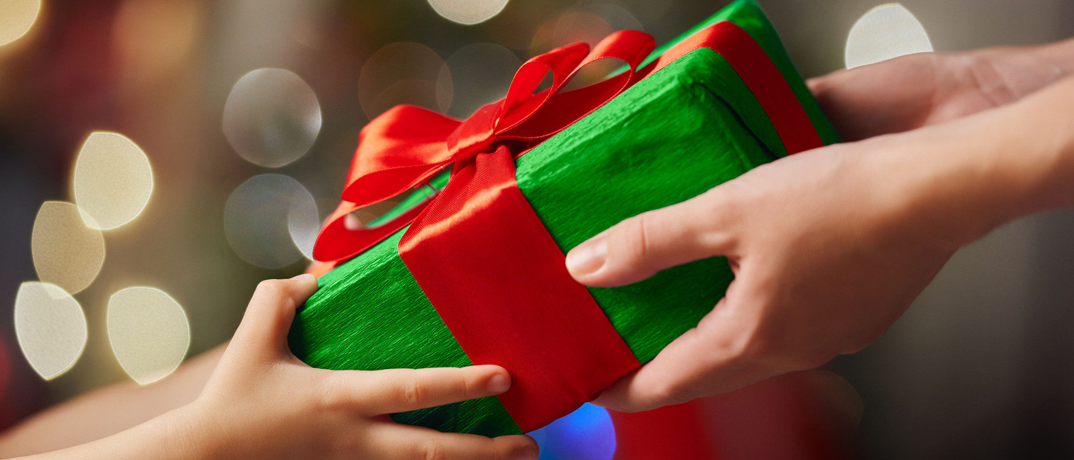 Qué regalar a los niños en Navidad: la regla de los 4 regalos