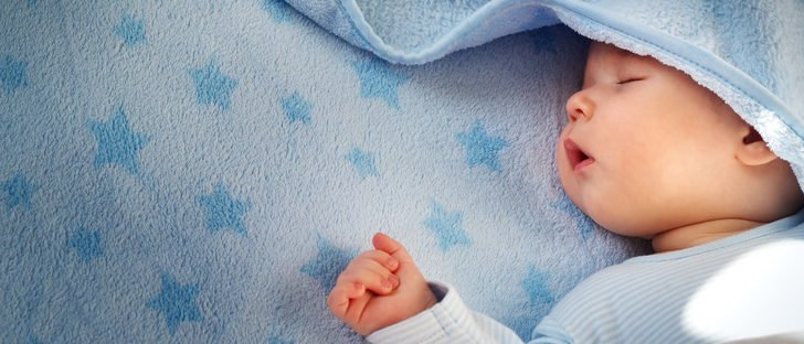 como hacer para que mi recien nacido duerma de noche