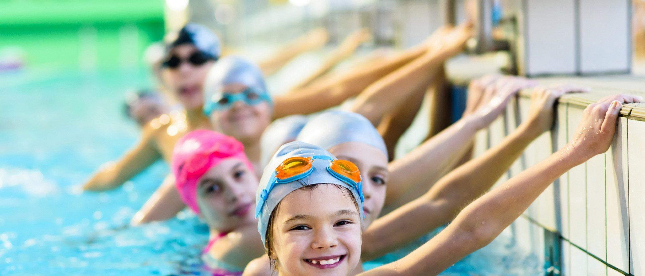 Por qué tu hijo/a debe aprender a nadar