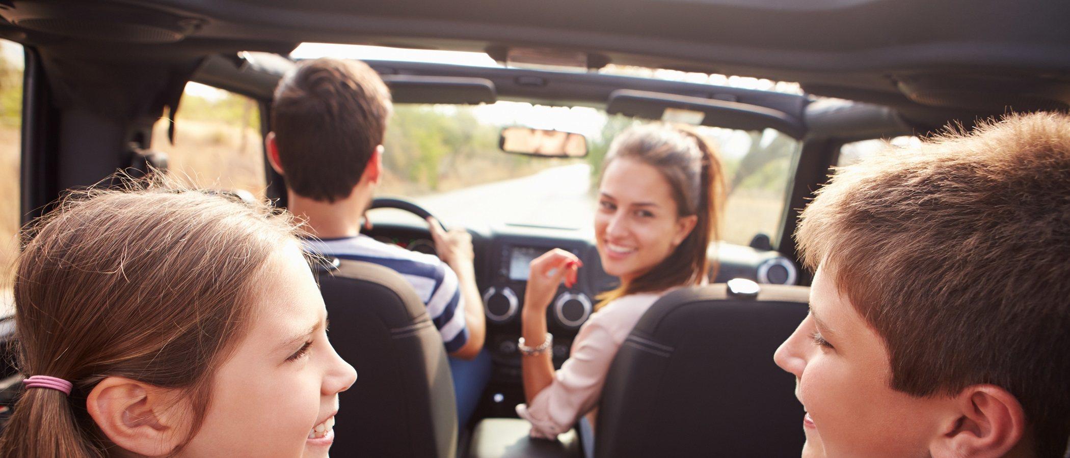 Errores que NO debes cometer cuando viajas con niños en coche
