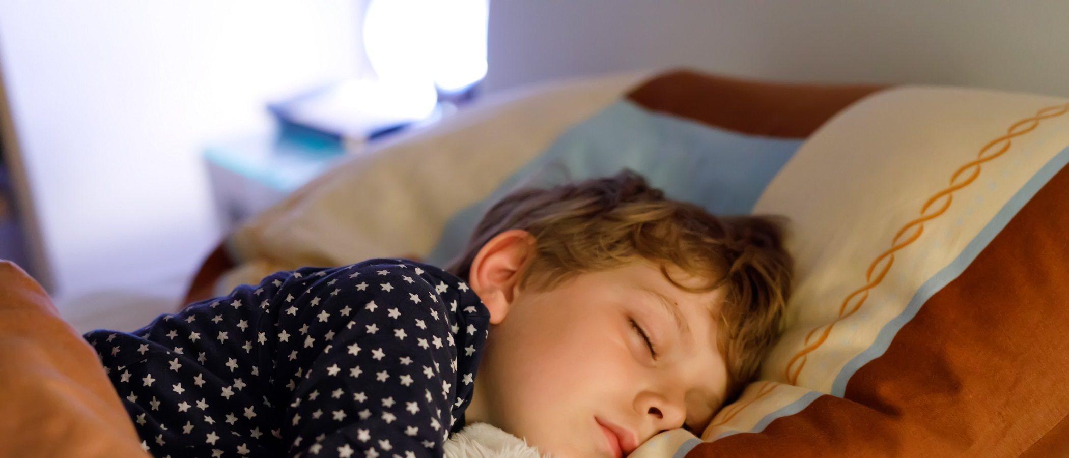 La importancia de que los niños duerman solos