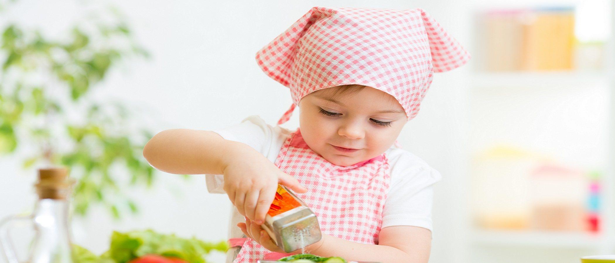¿Hay que echar sal en la comida de los niños?