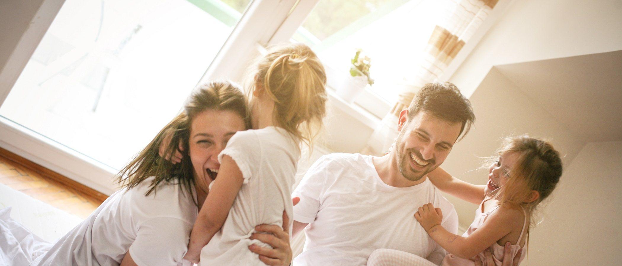Cómo construir un ambiente familiar positivo con la conectividad familiar