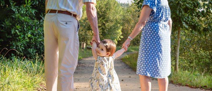 ¿Los abuelos necesitan instrucciones para el cuidado de sus nietos?