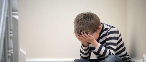 Cómo disciplinar a un niño con depresión