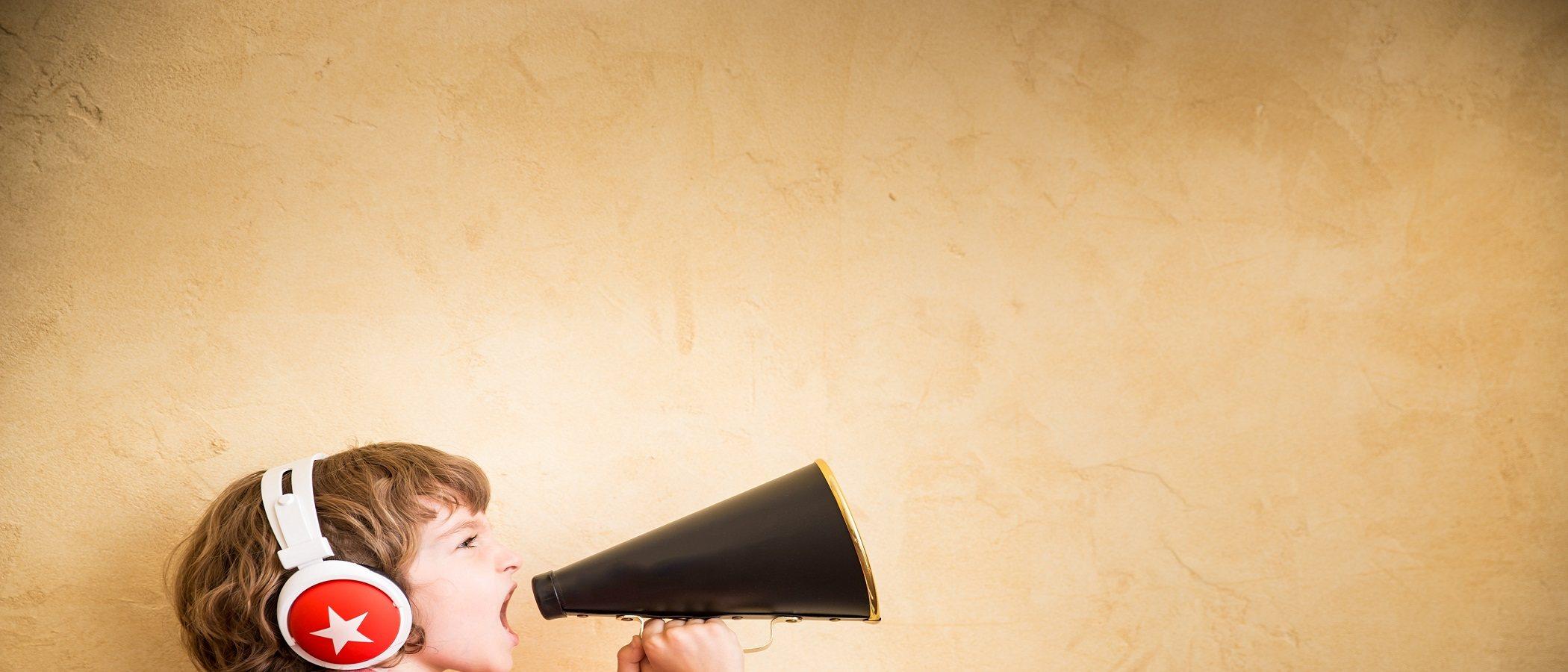 Enseña a que tus hijos dejen de jugar a gritos