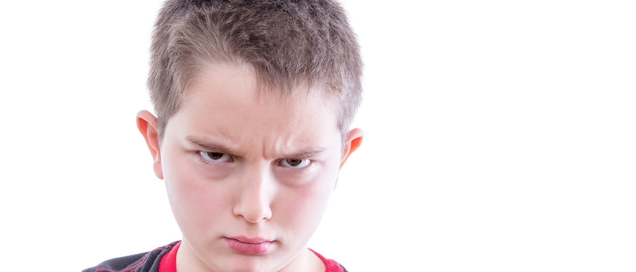 Señales de que estás criando a un niño hostil