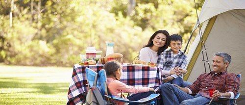 Cómo planificar una acampada familiar