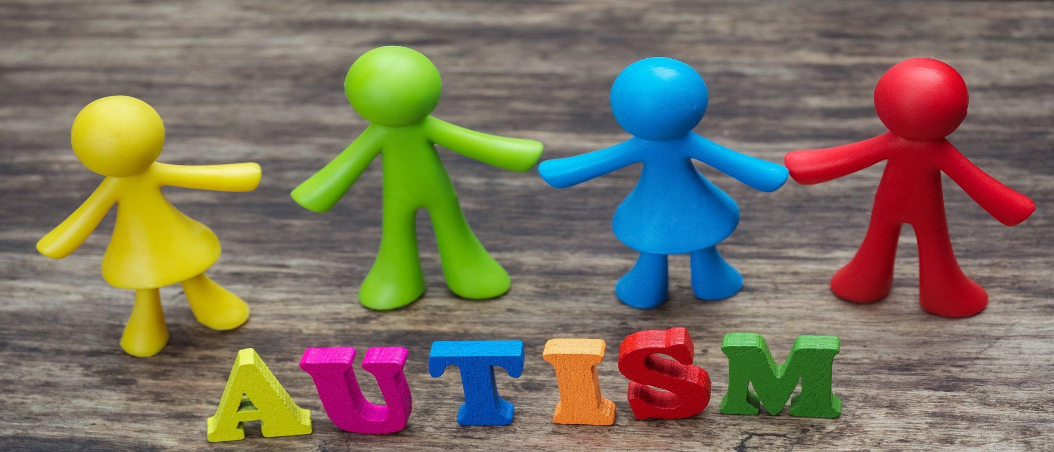 Cómo debes tratar a un niño con autismo