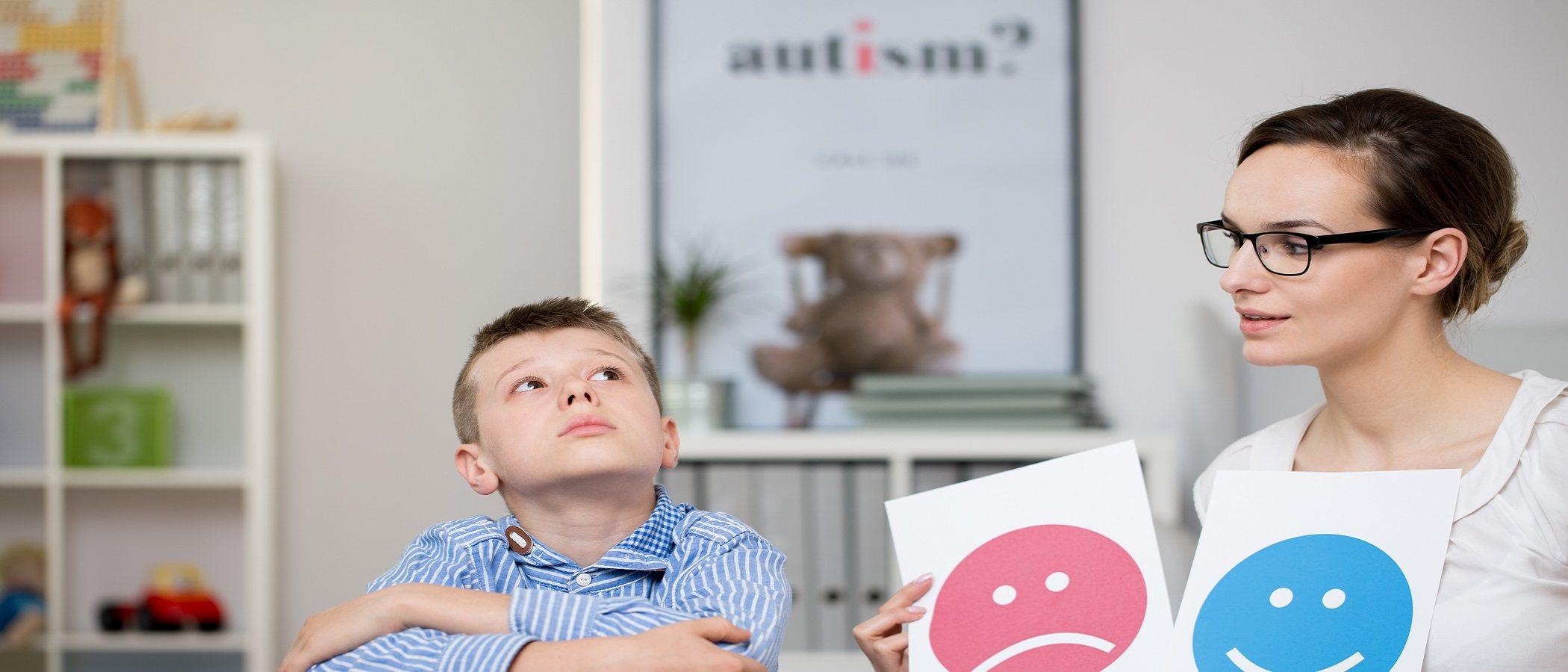 Cómo mejorar la comunicación con niños autistas