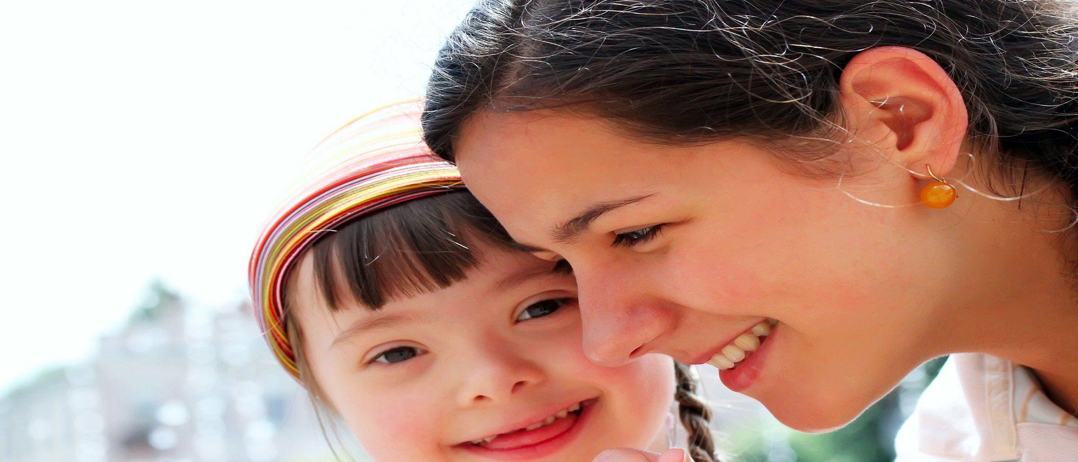 Cómo decirle a tu hijo con discapacidad que le quieres