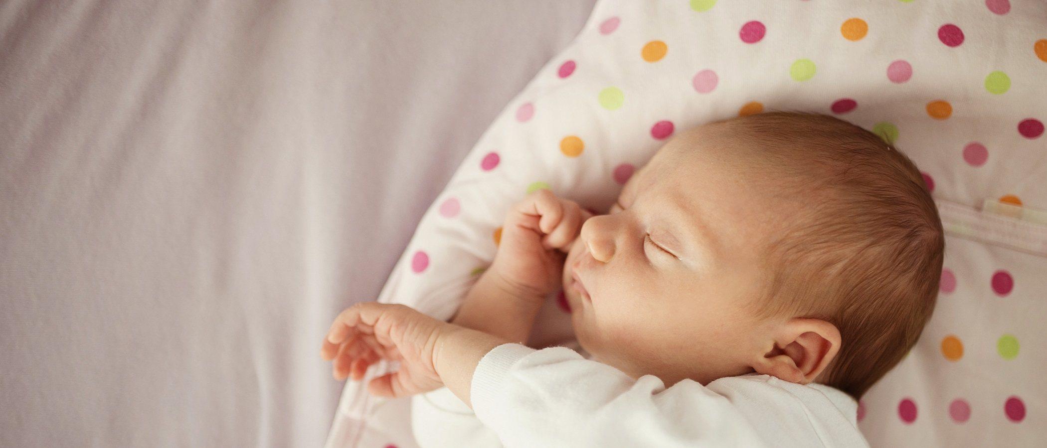 Si tu bebé de menos de 1 año tiene fiebre, esto es lo que debes hacer