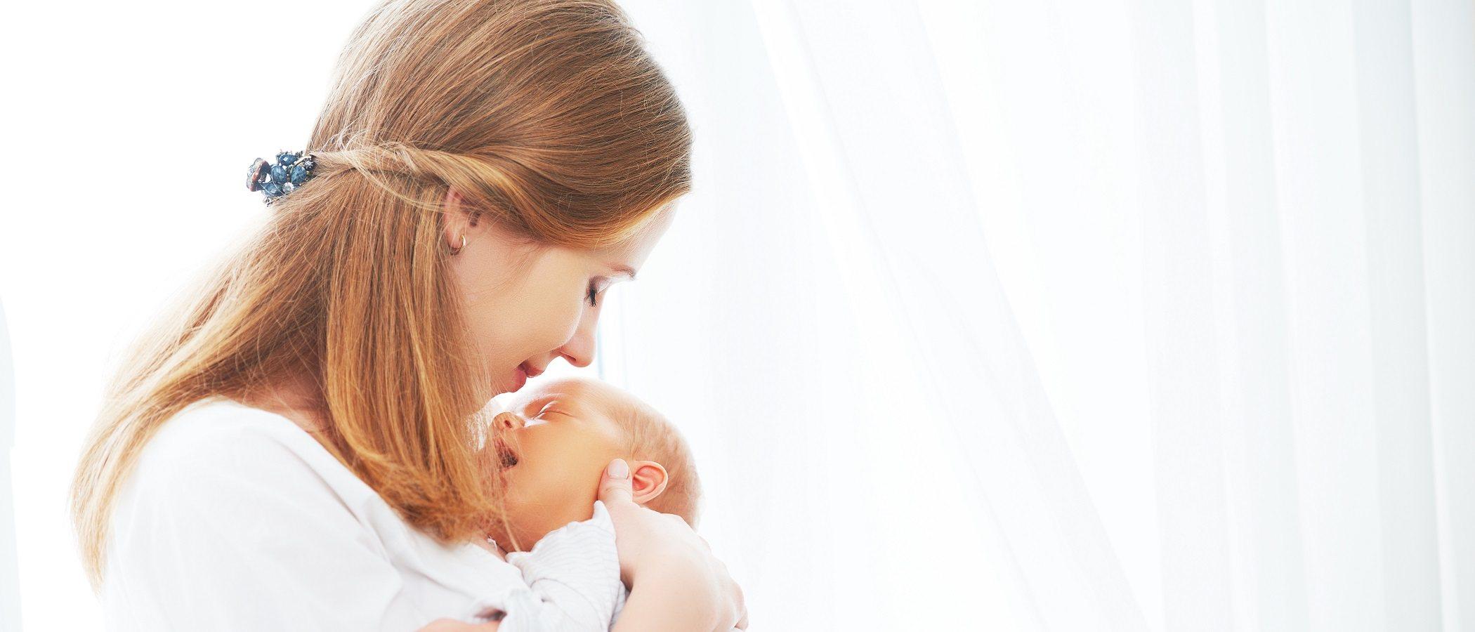 Tratamiento de labios agrietados en un recién nacido