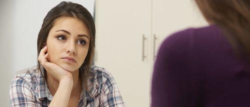 Tu hijo adolescente ha descubierto tu infidelidad