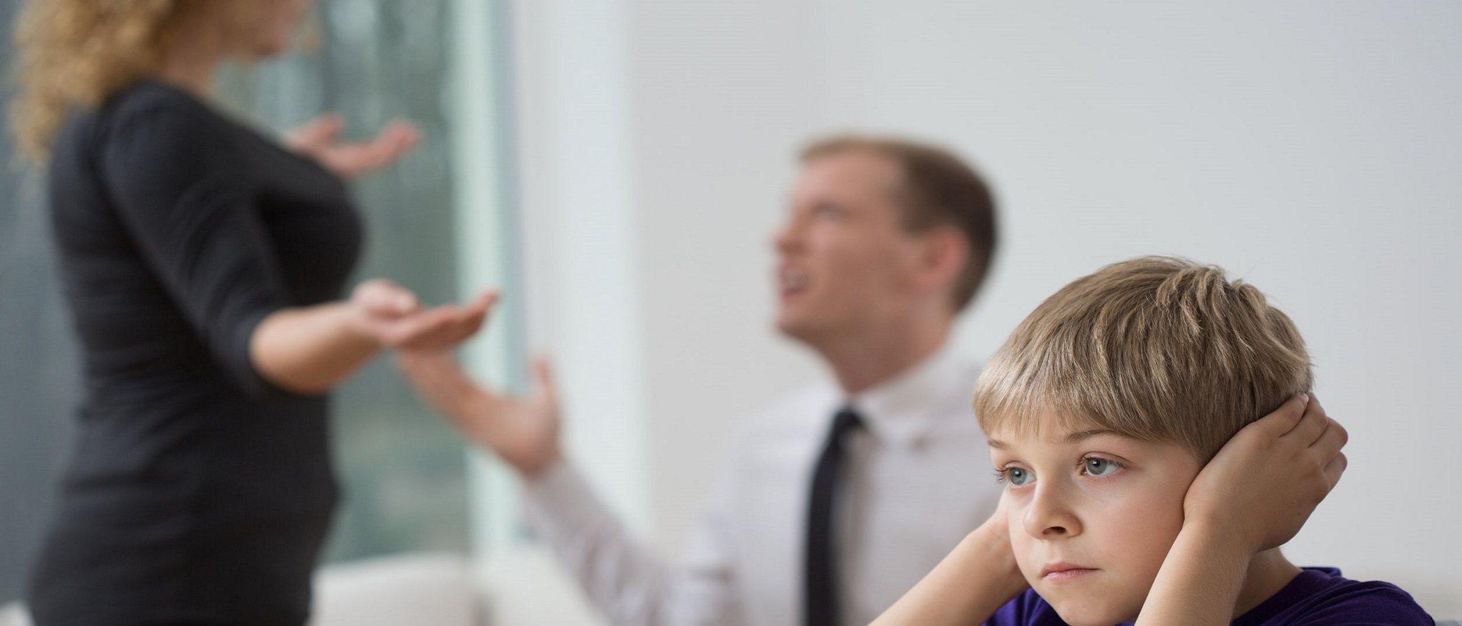 Cuál es la edad más difícil para un niño cuando sus padres se divorcian
