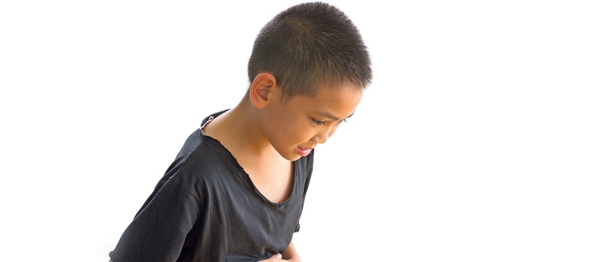 Fatiga y dolor de estómago constante en los niños