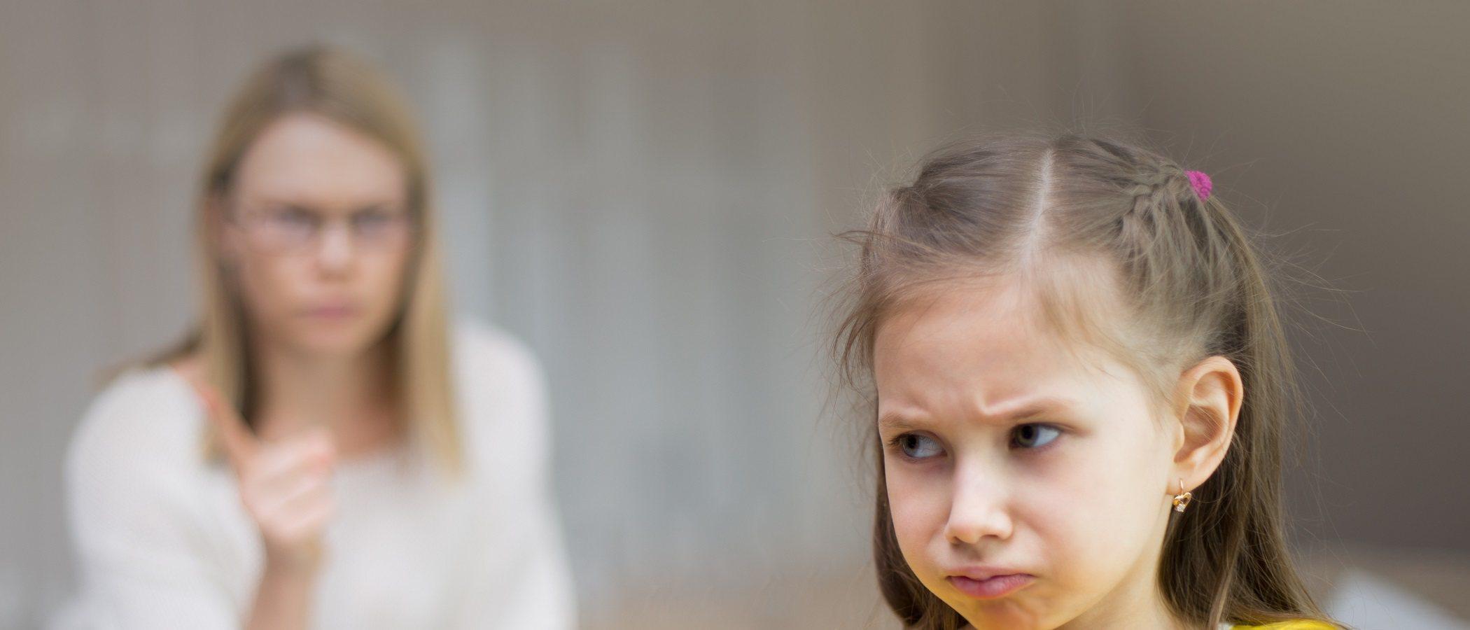 Señales de que un niño tiene un comportamiento manipulador