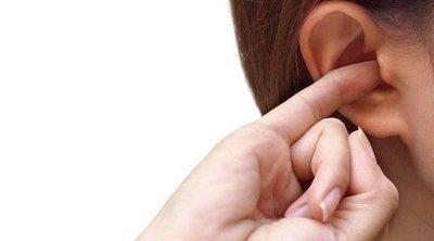 Por qué se taponan los oídos a los niños durante el verano