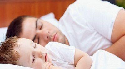 Beneficios de acostar temprano a los hijos