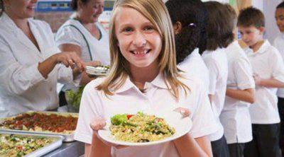 Educo promueve una campaña de becas de comedor para los hijos de familias con dificultades