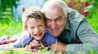Cómo contarle a nuestro hijo que su abuelo ha muerto