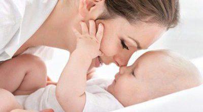 Beneficios del contacto piel con piel entre la madre y el recién nacido