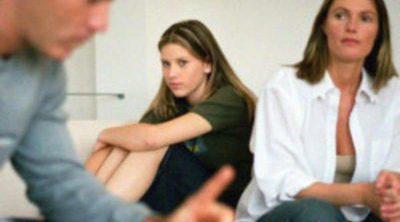 Principales temas de discusión entre padres e hijos adolescentes