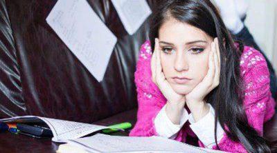 Cómo ayudar a tu hijo adolescente si está bajando su rendimiento escolar