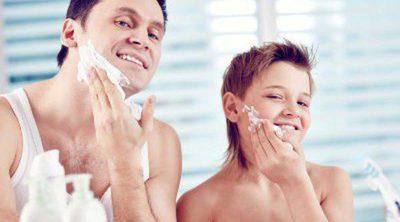 Cómo enseñar a tu hijo a afeitarse
