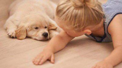 7 beneficios de tener una mascota con niños en casa