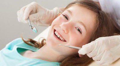 La primera visita al dentista, ¿cuándo y cómo debe ser?