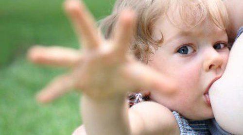 ¿Hasta cuándo podemos estar dando el pecho a nuestro hijo?