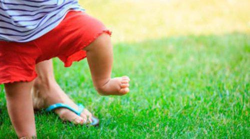 ¿Cuándo dará nuestro bebé sus primeros pasos?