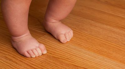 6 consejos para ayudar a un bebé a aprender a andar