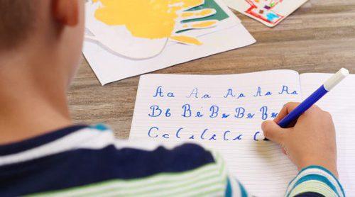 Cómo ayudar a un niño a mejorar la letra o caligrafía