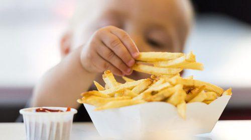¿Cuántas veces por semana pueden comer patatas fritas los niños?