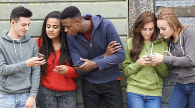 Guía para entender las palabras que usan tus hijos adolescentes