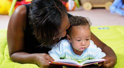 ¿Es bueno leer cuentos a los bebes?