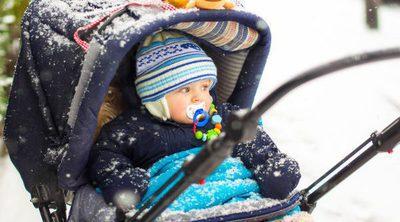 Cómo llevar vestido y tapado a un bebé en invierno