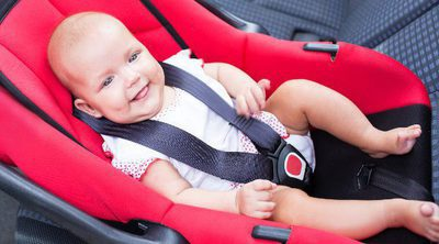Normas de seguridad para llevar a nuestro bebé en coche