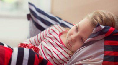 ¿Está mi hijo fingiendo estar enfermo para no ir al colegio?