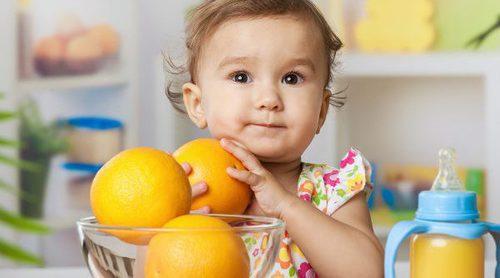 ¿Puedo dar naranja o mandarina a mi bebé?