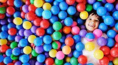Por qué tu hijo pequeño debe jugar con bolas