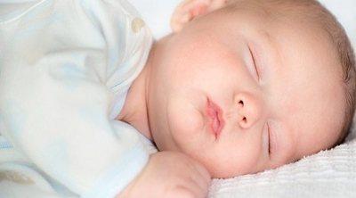 ¿Hasta cuándo deben dormir la siesta los bebés?